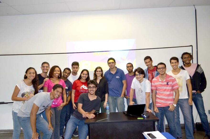 Equipe da InfoJr ao final da palestra (30/04/2014)
